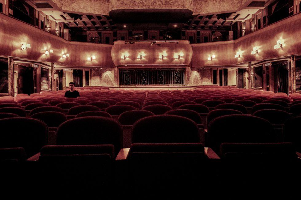 ブロードウェイも公演中止 新型コロナウイルス感染拡大の懸念の中 1ヶ月間の劇場閉鎖を発表