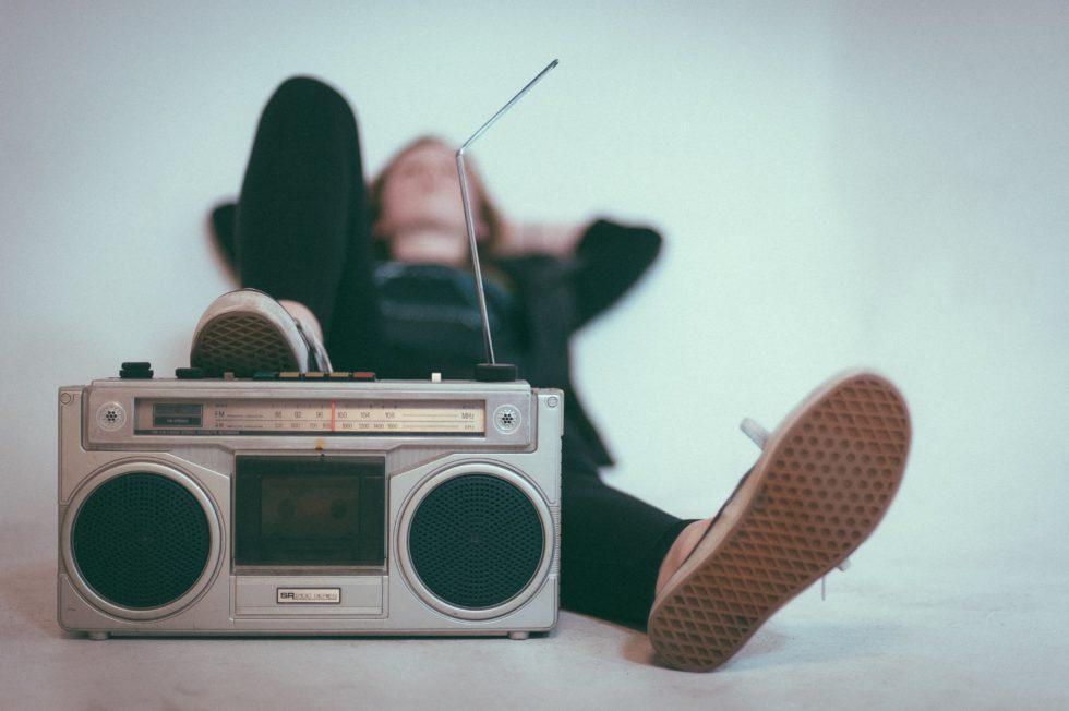 「らじれこ」は操作めちゃくちゃ簡単!お気に入りのラジオ番組を予約・録音・保存できる便利なフリーソフトの使い方
