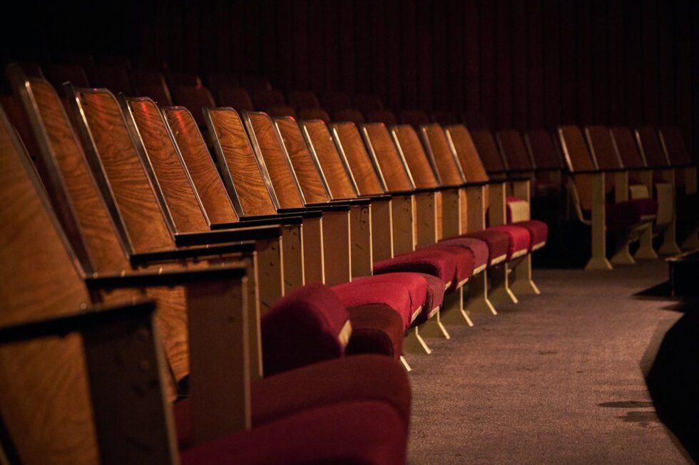 帝国劇場 舞台『千と千尋の神隠し』2022キャスト 千尋役橋本環奈・上白石萌音 湯婆婆役に夏木マリも 各都市ツアー公演